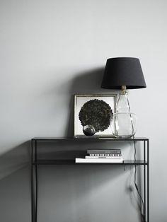 Tine K Home Konsolbord - Phantom - Blackballoon Home Interior Design, Interior And Exterior, Interior Decorating, Metal Furniture, Home Furniture, Entry Way Design, Minimalist Room, Nordic Design, Muted Colors