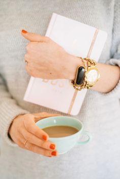 It's not only a fashionable bracelet... #hellomira