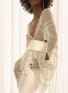 LoLoBu - Women look, Fashion and Style Ideas and Inspiration, Dress and Skirt Look Fashion Details, Look Fashion, Womens Fashion, Fashion Design, High Fashion, Modest Fashion, Trendy Fashion, Runway Fashion, Fashion Models