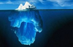 In October 1999 an Iceberg the size of London broke free from the Antarctic ice shelf .