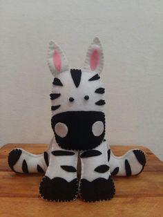 Zebra feltro Dinosaur Stuffed Animal, Toys, Animals, Backpacks, Felting, Embroidery, Manualidades, Activity Toys, Animaux