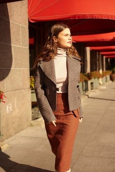 Wool cropped jacket, fine-knit turtleneck sweater and flap pocket midi skirt Shop en12storeez.com