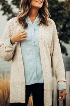 Casual layering pieces for the perfect warm & comfy winter outfit