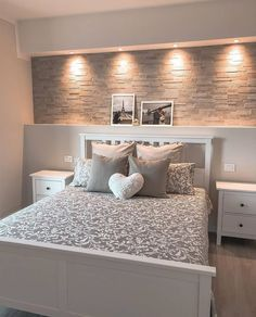 Bedroom Decor Ideas is the essential in Home Decoration ad Interior Design. Most of us like creative decorating ideas and Amazing Bedroom Decor Ideas is the greatest topic to explore. Room Ideas Bedroom, Home Decor Bedroom, Master Bedroom, Bedroom Signs, Teen Bedroom, Cute Room Decor, Home Room Design, Design Bedroom, Aesthetic Room Decor