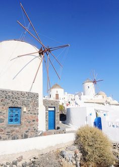 Oia, Santorini windmills #Greece #travel