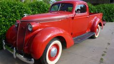 Many of their utilitarian designs have certainly aged well, but styling was often at best an afterthought for many of the original hard working pickup trucks. Style is however something this rare 1937 Studebaker J5 truck that is currently listed on Ebay has no shortage of.
