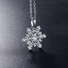 2016 Unique Design Romantic Pendant&Necklace Bijoux Platinum Plated Snow Shape Cubic Zircon Pendant For Women Jewelry CNL0215-B