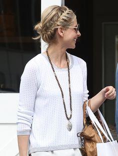 Sarah Michelle Geller shows how to run errands in style. #braids