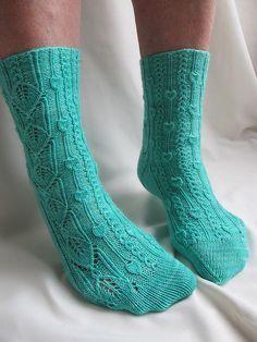Phloem Socks ... free pattern ... fingering wgt