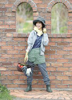 女性向け農作業着ブランド「monkuwa(モンクワ)」 Gardening, Style, Fashion, Swag, Moda, Fashion Styles, Lawn And Garden, Fashion Illustrations, Outfits