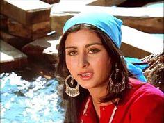 Hindi Old Songs, Hindi Movies, Happy Anniversary Cards, Lata Mangeshkar, Me Too Lyrics, Ramadan Decorations, Romantic Songs, Music Videos, Singer