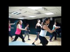 Zumba Dance Flor - Girls Just Wanna Have Fun Zumba For Beginners, Get On Up, Exercise Routines, Dance Moves, Hula, Bacon, Workout, Sport, Fitness