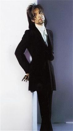 Prince. So Lovely. And Leaning Against That Lucky Wall!!