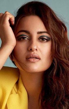 Indian Actress Hot Pics, Most Beautiful Indian Actress, Actress Photos, Beautiful Actresses, Indian Actresses, Indian Bollywood Actors, Bollywood Actress Hot, Bollywood Oops, Hindi Actress