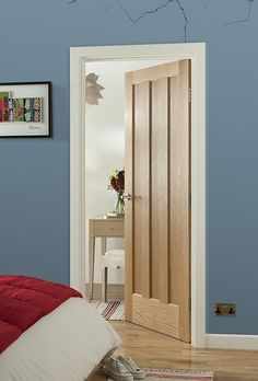 Make a statement with stunning new oak doors from JELD-WEN - Diy Interior Design Wood Front Doors, Oak Doors, Wooden Doors, Entry Doors, Front Entry, Oak Bedroom, Bedroom Doors, Oak Interior Doors, Doors And Floors