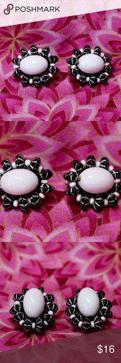 """🆕Black & White Bow Earrings 🔹White oval earrings with black & white bows.🔹Silver tone backs.🔹Backs are slightly different, one is signed """"Hong Kong"""" & one is signed """"Made Austria"""".🔹No trades/off-Posh transactions.🔹Reasonable offers welcome! Vintage Jewelry Earrings"""