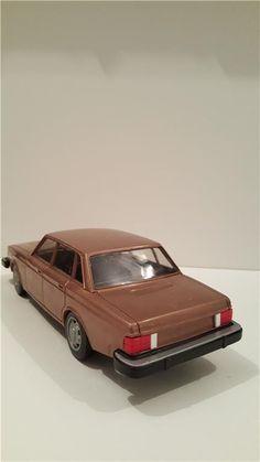 """Modellbil Volvo 244 GL metallic """" Made in Finland . på Tradera.com -"""