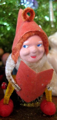 Vintage pine cone chenille elf. I love these little elves !!