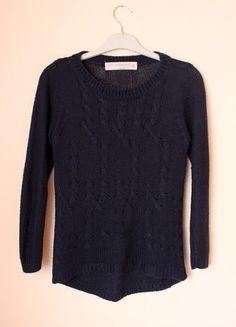 Kup mój przedmiot na #vintedpl http://www.vinted.pl/damska-odziez/swetry-z-dzianiny/10914315-cieply-sweterek-granatowy-zara-na-zime