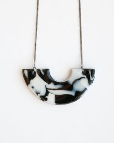 Modern marble necklace / Statement necklace / Polymer by Brukne