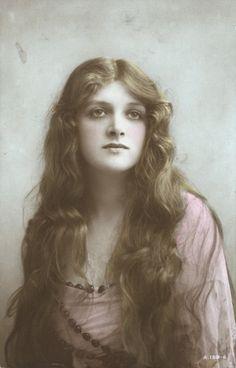 Gladys Cooper, 1910s.