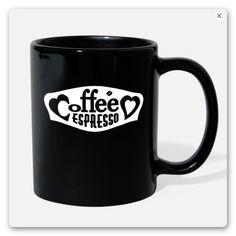 T-SHIRT MIT DEM TEXT KAFFEE ESPRESSO ZWISCHEN ZWEI HERZEN IN EINEM RAHMEN.  TRAGE DAS T-SHIRT MIT STOLZ, EGAL OB DEIN LIEBLINGS KAFFEE CAPPUCCINO,  MILCHKAFFEE, KAFFEE LATTE ODER ESPRESSO. GESCHENK Espresso, Mugs, Coffee, Tableware, Coffee Latte, Two Hearts, White Coffee, Proud Of You, Don't Care