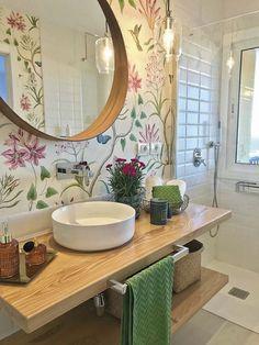 Bathroom Tub: The Complete Guide to Choosing Your Bathroom - Home Fashion Trend Bathroom Design Small, Bathroom Colors, Bathroom Interior Design, Bad Inspiration, Bathroom Inspiration, Bathroom Wallpaper, Bathroom Renos, Bathroom Bath, Beautiful Bathrooms