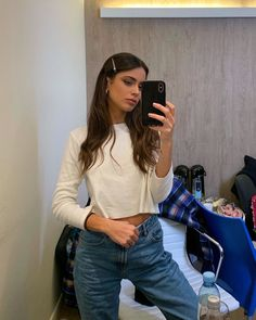 Simple Outfits, Cool Outfits, Casual Outfits, Celebrity Outfits, Celebrity Style, Celebrity Couples, Celebrity News, Cute Friend Pictures, Hair Streaks