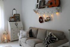 Tämän talven ensimmäiset jouluvalot ripustettu! 50-luvun talo, sisustus, brocante, maalaisromantiikka Couch, Furniture, Home Decor, Homemade Home Decor, Sofa, Couches, Home Furnishings, Sofas, Sofa Beds