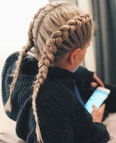 10 Softball Hair With Hat Softballquotes Ideas Athletic Hairstyles, Sporty Hairstyles, Cute Hairstyles, Princess Hairstyles, Popular Hairstyles, Wedding Hairstyles, Braided Hairstyles Updo, Braided Hairstyles For School, Cool Braids