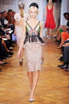 Nina Ricci spring 2012. Ve esto y mas en el blog de moda del momento.. www.tuguiafashion.com