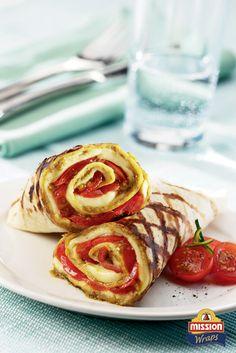 #missionwraps #danie #główne #przepis #szybko #zdrowo #jedzenie #pomysł #obiad #witaminy #okazje #dla #gości #dla #znajomych #wraps #food #inspiration #meal #picnic #healthy #table #setting #tomatoes #grill #summer  www.missionwraps.pl