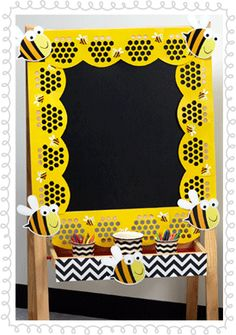 Bee a Reader Chevron Reading Nook activity center décor idea