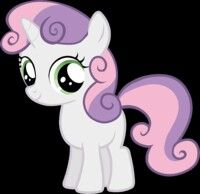 Sweetie Belle:  Es una pequeña unicornio hermana menor de Rarity, y miembro de las Cutie Mark Crusaders. Admira mucho a su hermana, y a veces, llega a parecer boba. Tiene una excelente voz para cantar, pero a pesar de saber de su talento y que muchos la motivan a que cante, ella insiste en querer ser como su hermana mayor.
