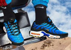 The highly coveted nike air max plus 'hyper blue' returns along with more og colorways Nike Air Max Tn, Nike Air Max Plus, Tn Nike, New Nike Air, Air Max Sneakers, Sneakers Nike, Carrie, Jordan Sneaker, Baskets