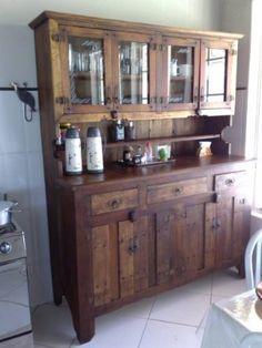 Armário Maciço Feito Em Madeira De Demolição - R$ 2.600,00