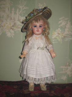 "RARE Tiny 12"" Size 4 Antique French E J Jumeau Bebe~A SHOWSTOPPER! - Dorian's Doll Room #dollshopsunited"