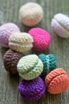 DIY crochet macarons