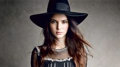 Kendall Jenner Black Stylish Hat Grey Wallpaper - HD Wallpapers - Free Wallpapers - Desktop Backgrounds