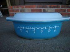 Vintage Oval Pyrex Casserole Bowl w Lid Blue and White Estate Find