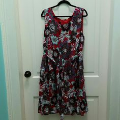 Talbots Woman Red Multi Dress (24) NWOT Talbots Woman Red Multi Dress NWOT Size 24. Great dress. Switch up your shoe color, throw on a shrug or just enjoy the dress as is. You've got options! 100% cotton. Machine wash. Talbots Dresses
