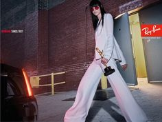 Ray-Ban tapped Steven Klein to photograph its campaign for and rings in its anniversary. Klein shot the models in classics. Sunglasses 2017, Trending Sunglasses, Lunette Ray Ban, Daily Front Row, Line Shopping, No Me Importa, Celebrity News, Editorial Fashion, Ray Bans