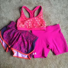 Sports bra, running shorts, & compression shorts! This listing is for all 3! Sports bra is Champion and a small. Shorts are Nike and Under Armor and are an XS. All are like brand new just a little small on me! Nike Shorts
