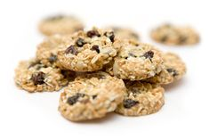 Healthy Peanut Butter Chocolate Chip Oatmeal Cookies - The Real Food Dietitians Low Sugar Cookies, Cookies Sans Gluten, Dairy Free Cookies, Gluten Free Cookie Recipes, Healthy Cookie Recipes, Peanut Butter Cookie Recipe, No Bake Cookies, Real Food Recipes, Super Cookies