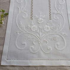 This Pin was discovered by Şen Silk Ribbon Embroidery, Crewel Embroidery, Hand Embroidery Patterns, White Embroidery, Cross Stitch Embroidery, Machine Embroidery, Lace Beadwork, Drawn Thread, Linens And Lace