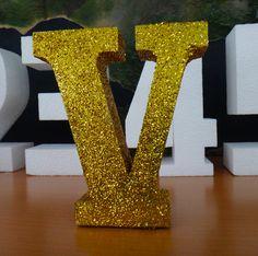 Letra Roman Gold-Glitter Freestandig. Fabricación para Eventos Especiales, Fiestas, Aniversarios, Decors, etc.: www.poliespan.com