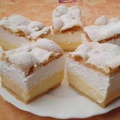 Very delicious, easy Cloud Slice Cake! Try it very delicious! Hungarian Desserts, Hungarian Cake, Hungarian Recipes, Mini Pastries, Homemade Pastries, Pastry Display, Cookie Recipes, Dessert Recipes, Pastry Design
