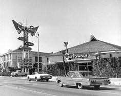 Photo history of Las Vegas resorts, casinos, hotels, motels in the 20th century. Description from vintagelasvegas.com. I searched for this on bing.com/images