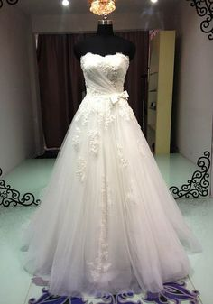 A-Line Strapless Iovry Organza with Lace Wedding Dress / Bridal Gown