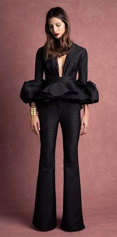 Get inspired and discover Johanna Ortiz trunkshow! Shop the latest Johanna Ortiz collection at Moda Operandi. Estilo Fashion, Look Fashion, High Fashion, Womens Fashion, Fashion Design, Fashion Trends, Mode Hijab, African Dress, Couture Fashion